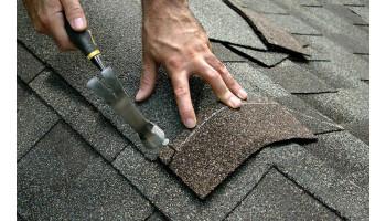 Dlaczego warto wybrać gont bitumiczny ? ! Zalety tego trwałego pokrycia dachowego.